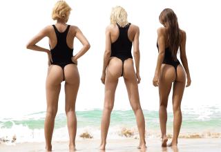 vrouwen zwemmen
